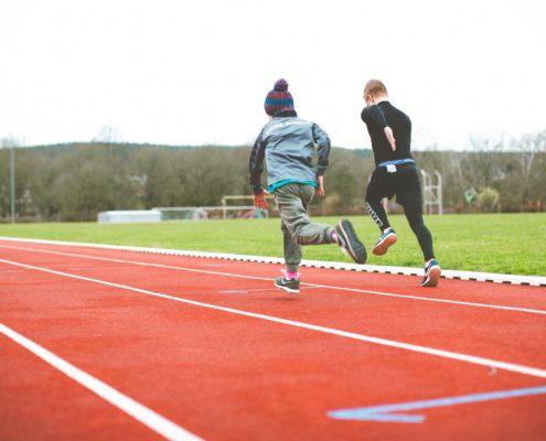 Pour les adultes, le sport est autorisé uniquement en plein air dans le cadre du confinement allégé